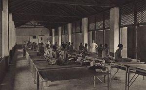 Vrouwenzaal ziekenhuis Deli Mij te Medan 1905 (88264)